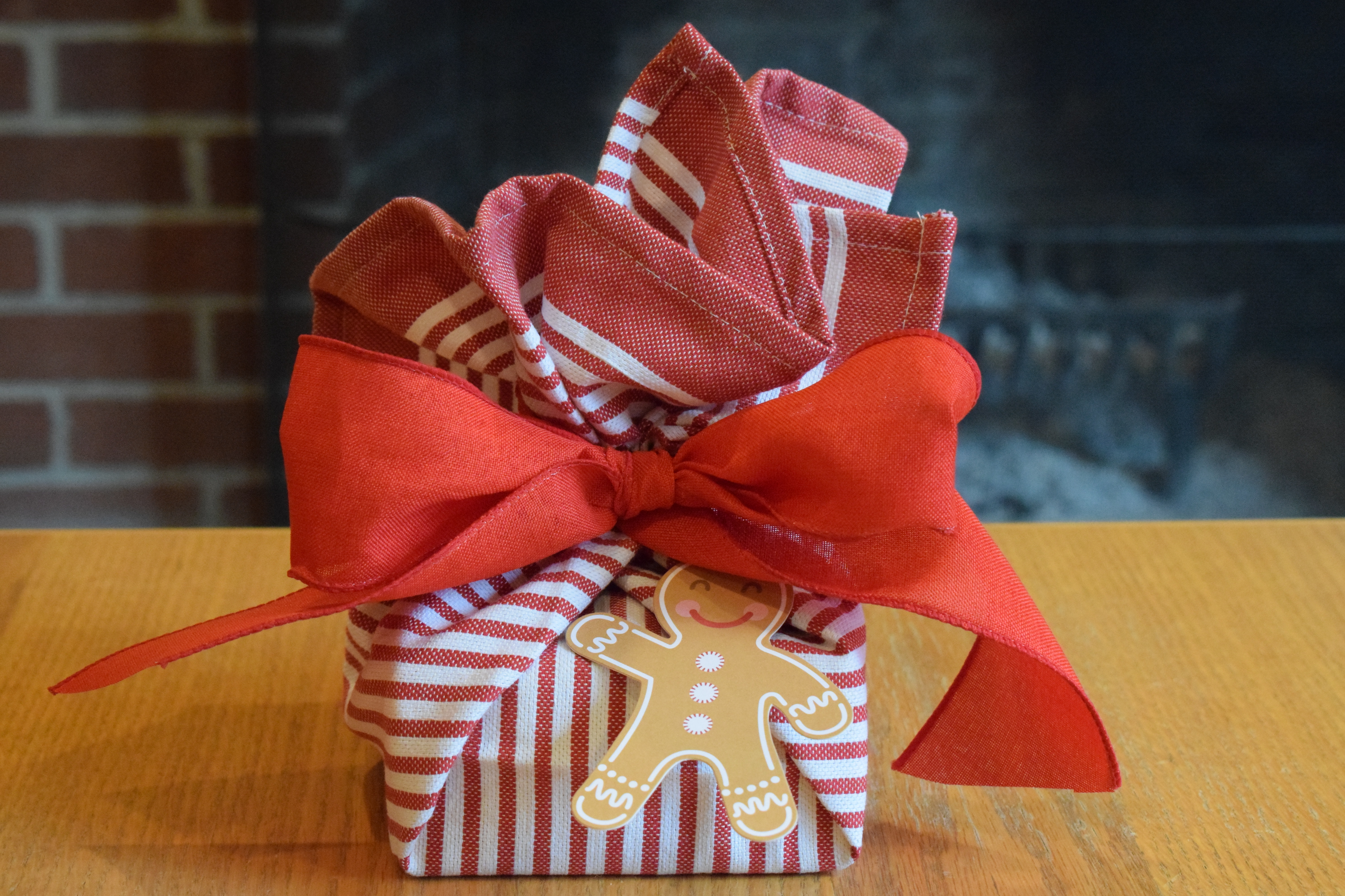 How to Wrap Gifts in Kitchen Towels Step Three Tie Ribbon, Reusable Gift Wrapping